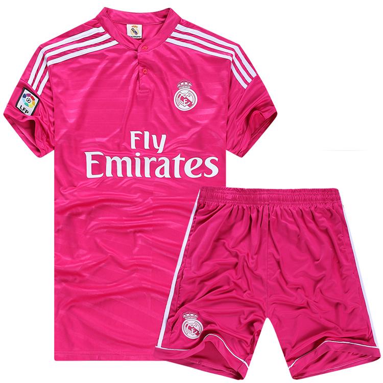 En color rosa hecho de polyester que no se arruga ni se encoge y de
